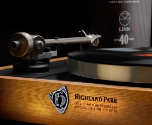 Linn_HighlandPark_Spec_40th_Ed_Sondek_LP12_close-up_web-res