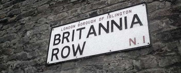1975-brit-row-sign
