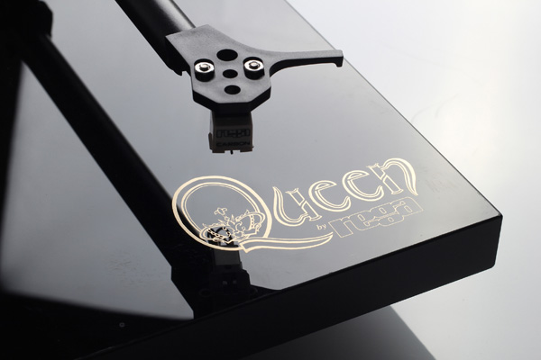 queen rega close-up