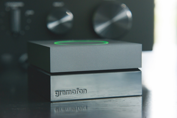 Gramofon with amp